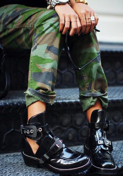 Les buckles boots portées