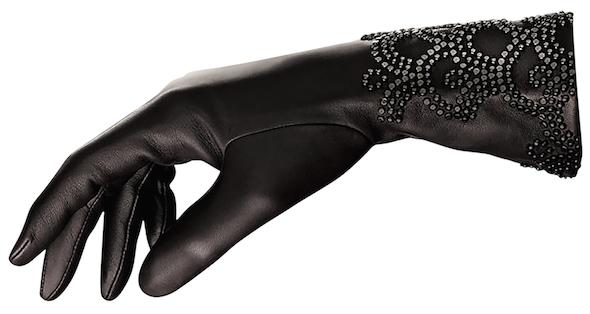 Agnelle et Guerlain inventent les gants parfumés 2