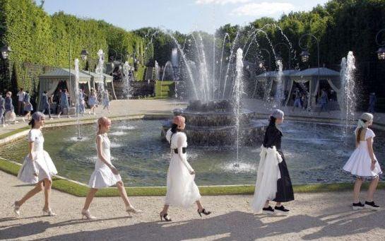 Défilé Chanel Croisière 2013-2014, le 14 mai 2012 au Château de Versailles