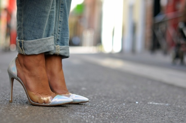 IN OR OUT #19 LES PLEXI PUMP DE GIANVITO ROSSI