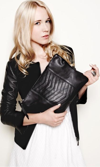 sac-pochette-cuir-matelasse-noir